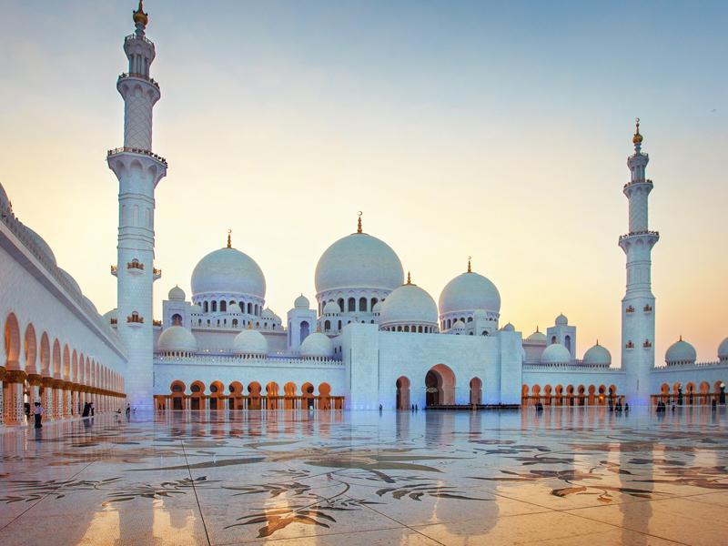 Новый год на пороге: Мальдивы популярнее Египта, открыт новый эмират, а в Сочи стартовал горнолыжный сезон