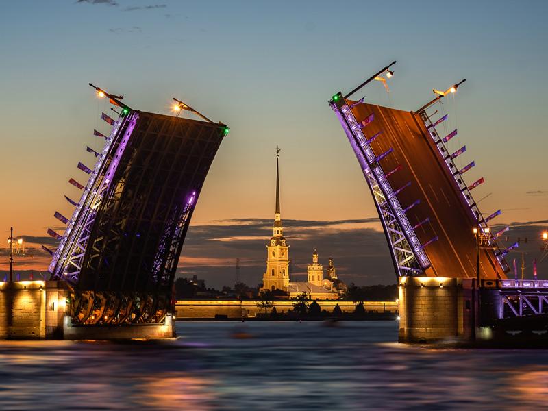 10 причин, чтобы поехать в Петербург
